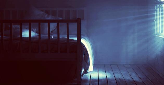 36446-night-bedroom-window-light-dark-630w-tn
